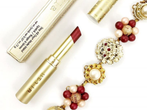 Stila lipstick is the perfect holiday gift.