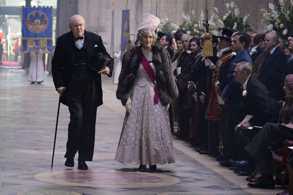 John Lithgow and Claire Foy Discuss Putting on 'The Crown'