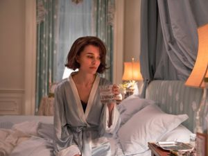 Natalie Portman as the titular, traumatized character in Jackie.