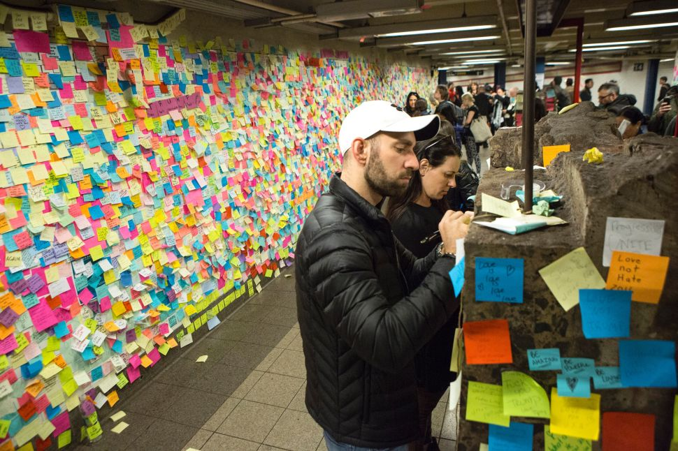 Subway Post-It Art Finds a New Home, Activists Attacked After Leaving NY Gallery