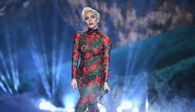 Lady Gaga performs during the Victoria's Secret Fashion Show on November 30, 2016 in Paris, France.