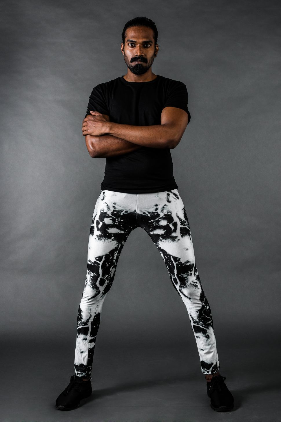 Meggings Are Now Clinging to a Man Near You