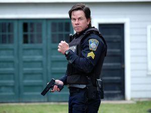 Mark Wahlberg as Tommy Saunders.