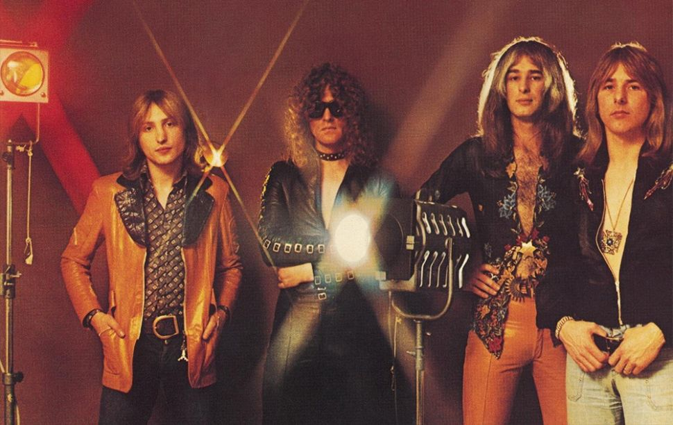 RIP Mott the Hoople's Pete Overend Watts, the Ideal Glam Rock Bassist