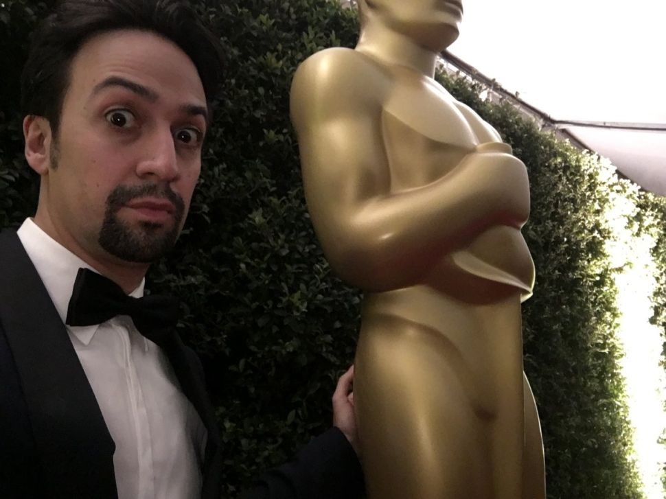 The World Is a Garbage Fire, But Lin-Manuel Miranda's Tweets Are a Shining Light