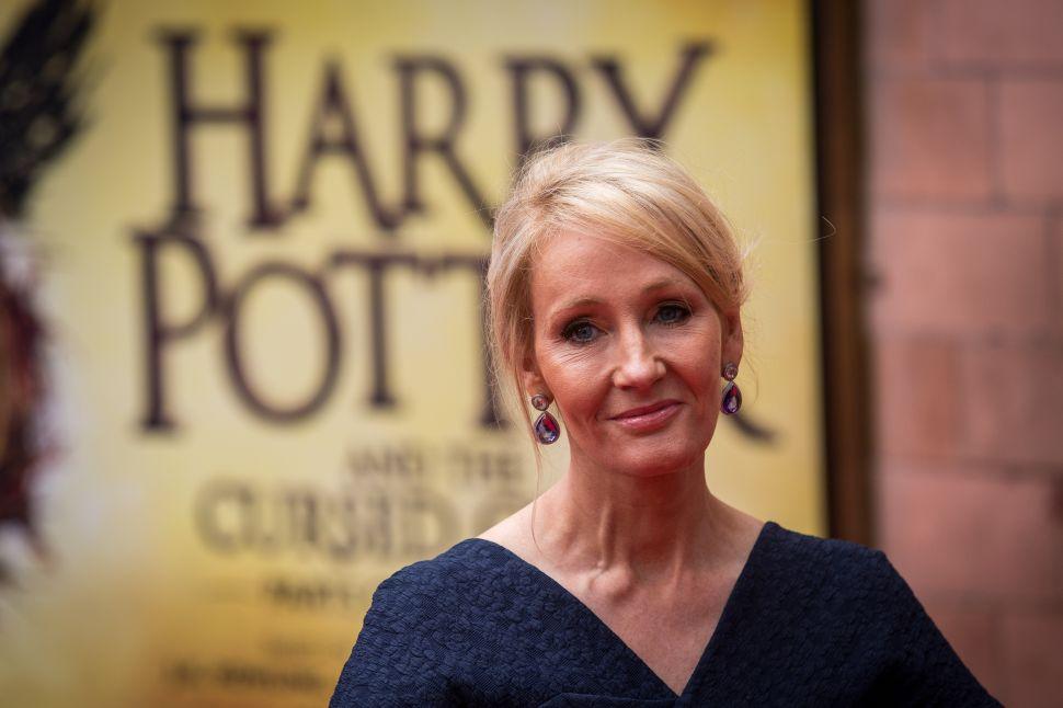 JK Rowling Drops Hint on New Book, Women's March Seeks Original Art