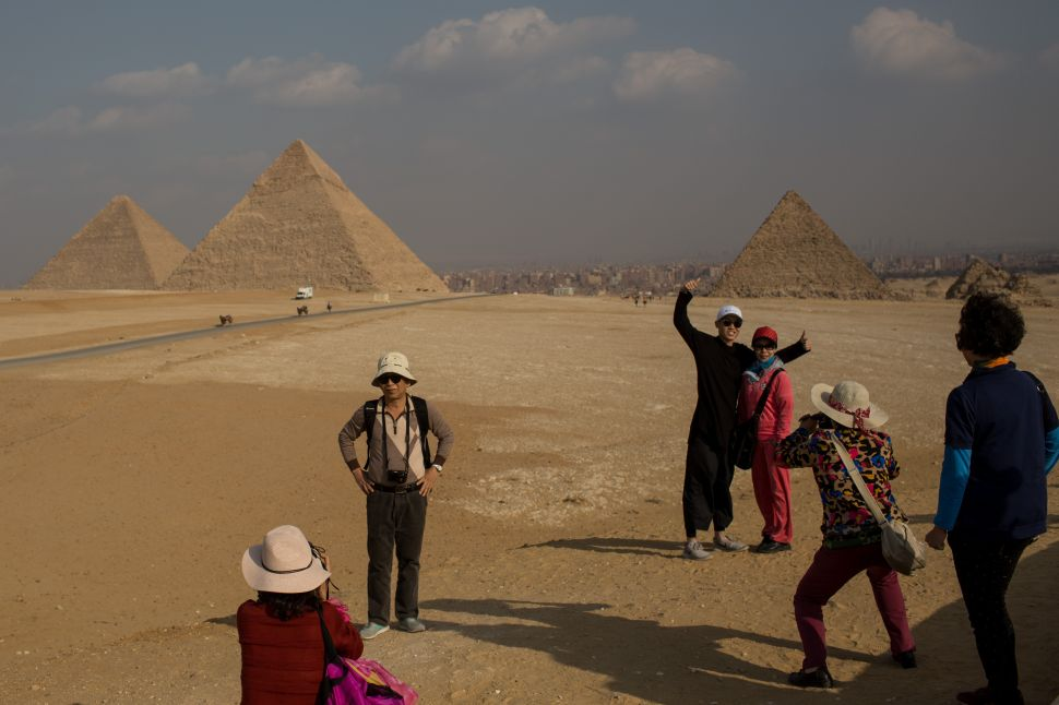 Tourism Decline Threatens Egypt's Monuments, Happy 80th to Picasso's 'Guernica'!