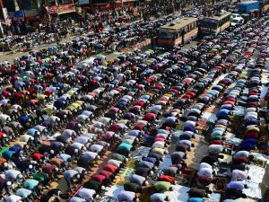 Muslim devotees pray during the Friday noon prayers during the World Muslim Congregation, also known as Biswa Ijtema, at Tongi, some 30 kms north of Dhaka on January 13, 2017.