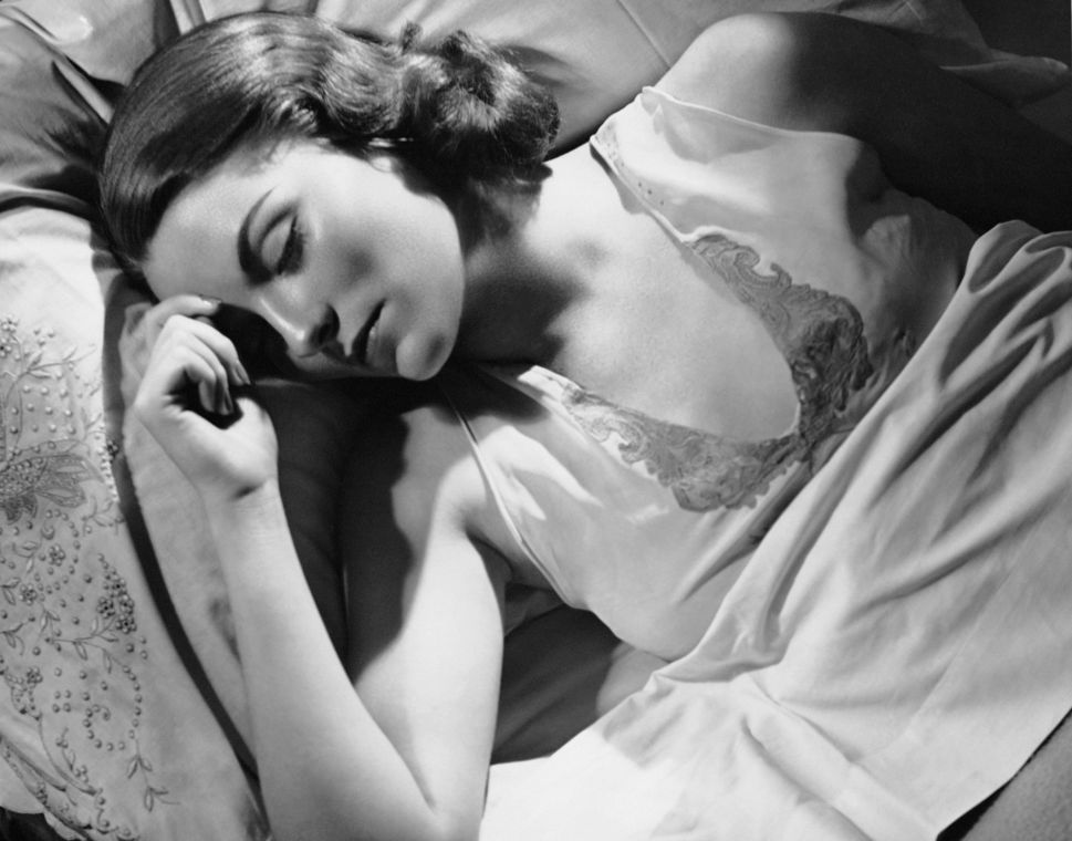 Experts Explain How to Get a Better Night's Sleep
