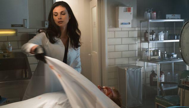Morena Baccarin as Leslie Thompkins.