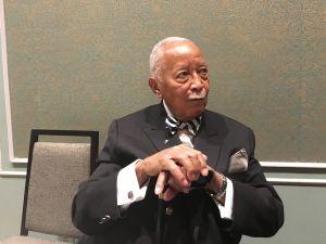 Former Mayor David Dinkins, the city's first black mayor, has endorsed Jim Johnson in N.J.'s gubernatorial race.