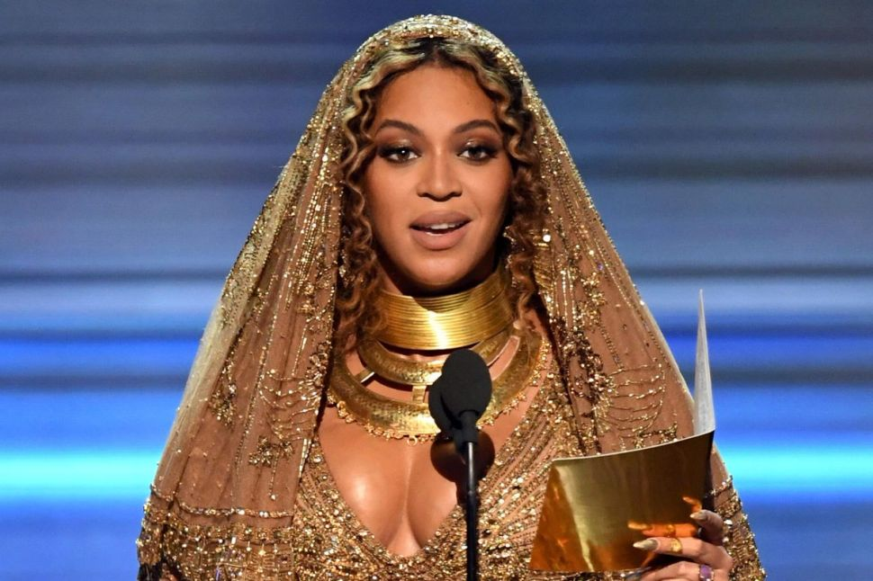 Redditors Were Hating on Beyoncé, But Her Fans Shut That Down Real Quick