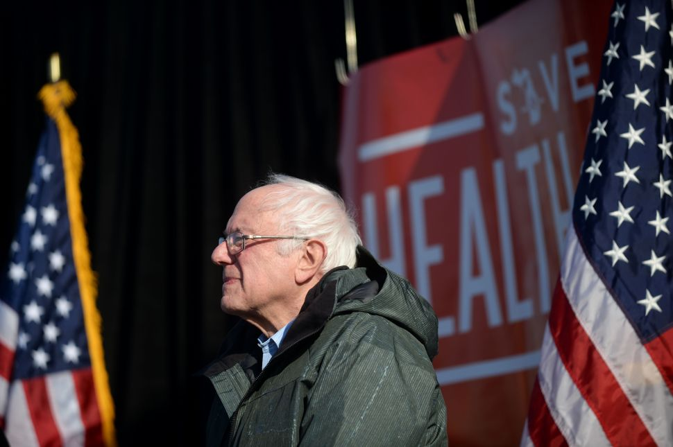 Establishment Democrats Order Sanders to Fall in Line, Play Nice