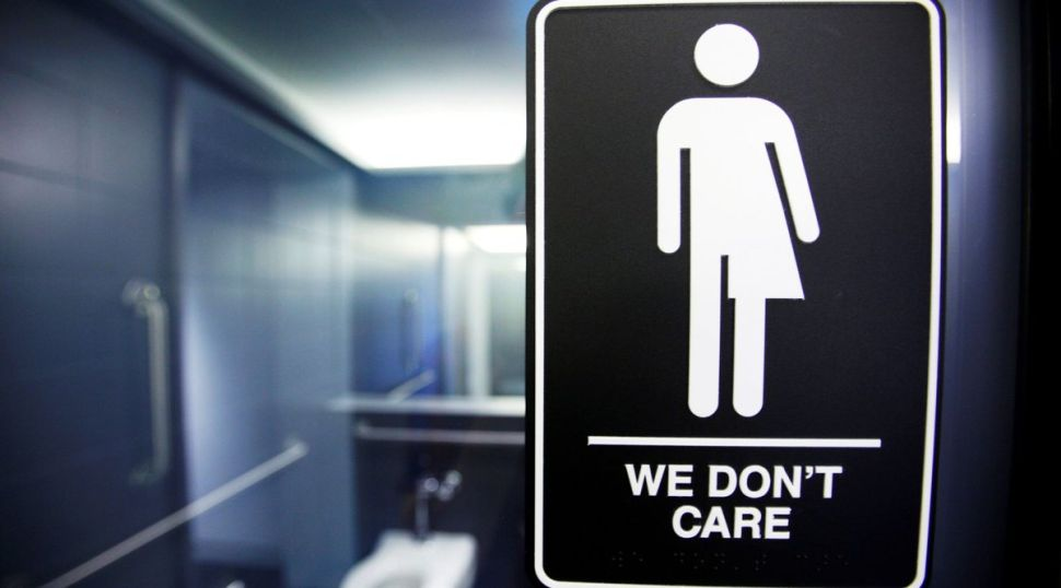 A Biology Teacher Just Destroyed Every Excuse for Transphobia With Cold, Hard Facts