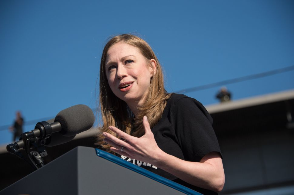 Male Journalists Are Mansplaining Politics to Chelsea Clinton on Twitter