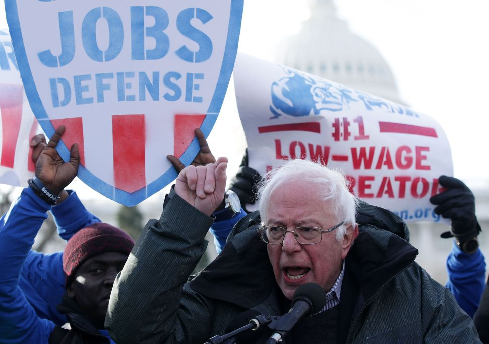 As Sanders Tries to Win Back Voters, Entitled Dems Would Rather Bluexit