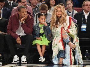 Beyoncé pairs her Left Hand LA jeans with a Gucci kimono.