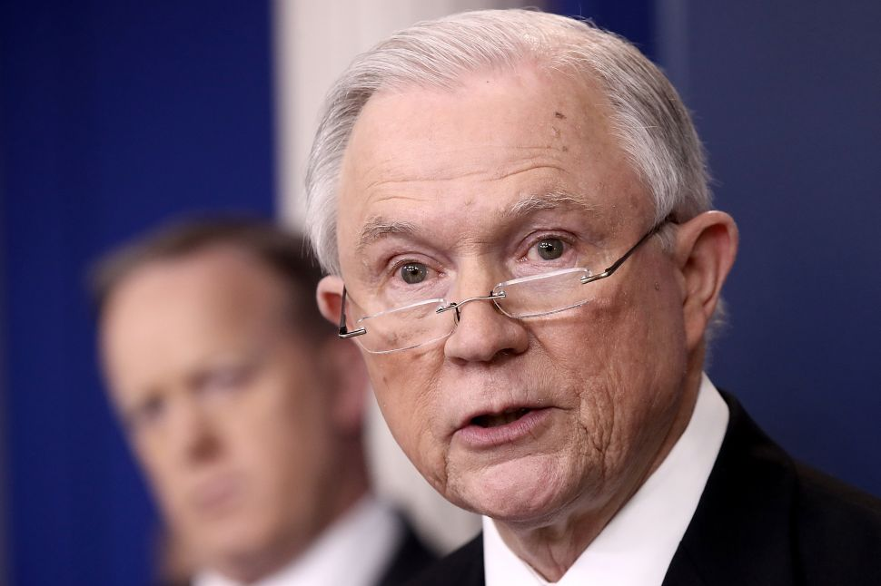NYC Mayor Dismisses Jeff Sessions' Sanctuary Cities Order as Just 'Words Right Now'