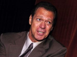 Joe Piscopo is reportedly weighing entering the NJ governor's race as an independent.