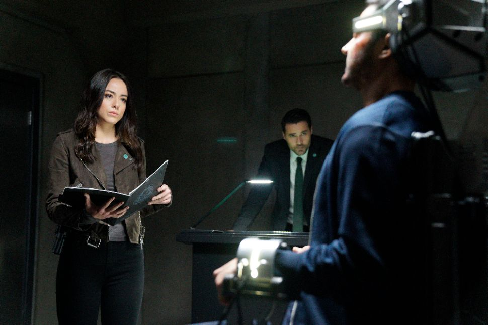 'Marvel's Agents of S.H.I.E.L.D.' Recap 4×16: Mad World