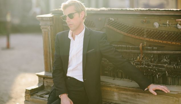 Andrew McMahon of Something Corporate, Jack's Mannequin and now Andrew McMahon in the Wilderness.