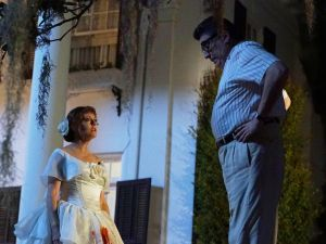 Susan Sarandon as Bette Davis and Alfred Molina as Robert Aldrich.