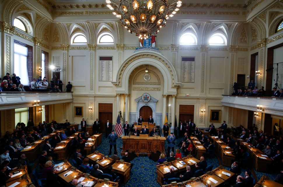 NJ Assembly to Vote on Paying State Workers for Shutdown