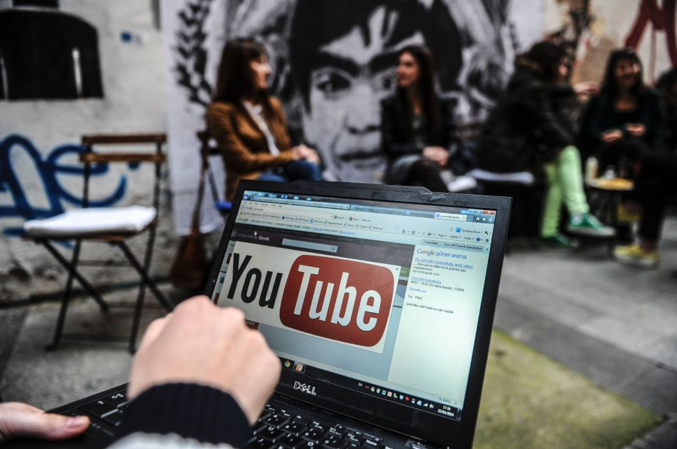 YouTube Is Now Labeling State-Run Media Clips to Fight Fake News