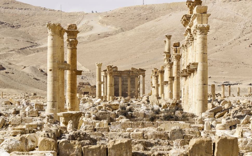 10 Country Coalition Forms to Protect Ancient Historic Sites From ISIS