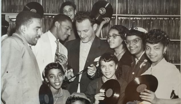 Leonard Chess with fans