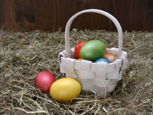 What is the origin of Easter eggs?