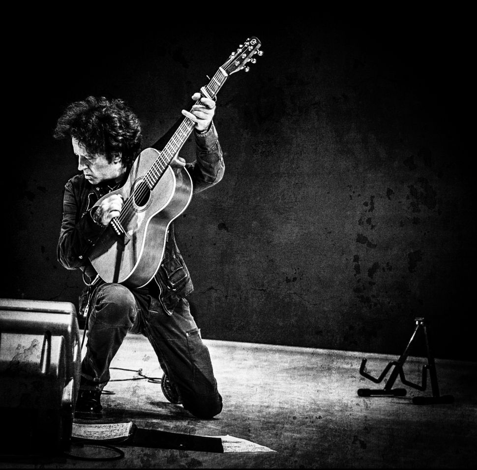 Song Premiere: Willie Nile Pays Tribute to Bob Dylan