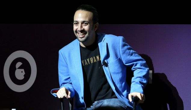 Lin-Manuel Miranda is giving back to Puerto Rico yet again.