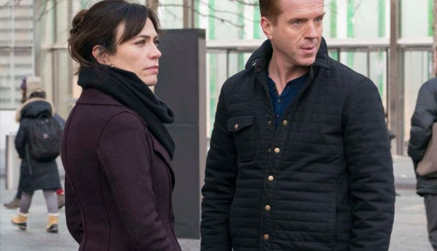 """Maggie Siff as Wendy Rhoades and Damian Lewis as Bobby """"Axe"""" Axelrod."""