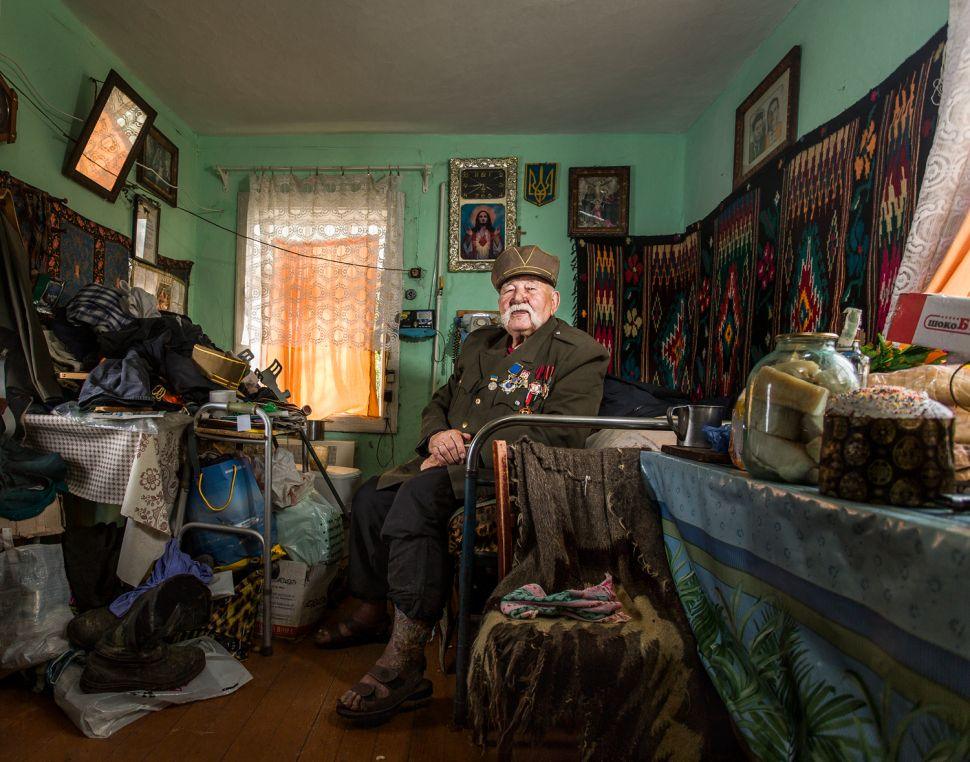 Photo Essay: Inside the Homes of WWII Veterans