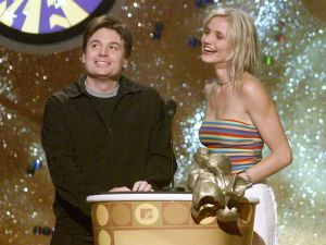 Mike Myers and Cameron Diaz were presenters at the 2001 MTV Movie Awards at the Shrine Auditorium in Los Angeles, Ca. 6/2/01. Photo by .