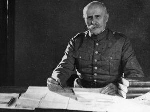 circa 1935: French soldier and politician, Henri Philippe Petain (1856 - 1951), re-enacting his part in the 1916-17 campaigns for the film, 'Verdun - A Recollection'. (Photo by Hulton Archive/Getty Images)