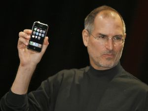 Steve Jobs unveils the first iPhone.