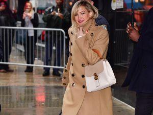 Kate Hudson carrying Burberry's DK88 bag.