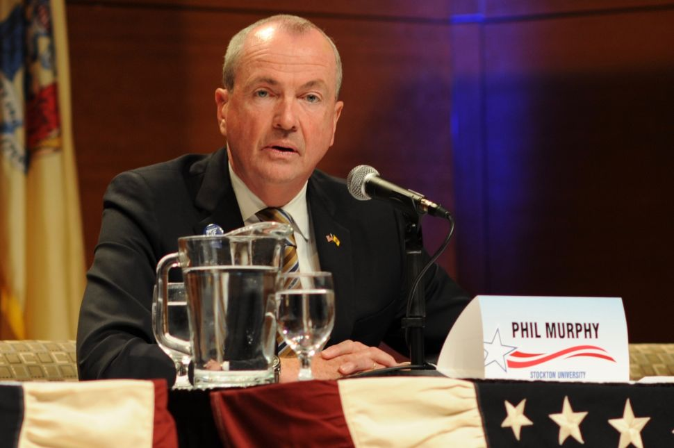In Reversal, Murphy Agrees to Cap Spending in the General