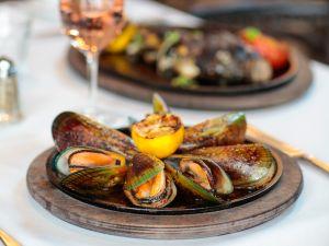 Mussels a la Plancha.