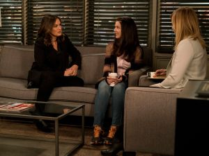 Mariska Hargitay as Olivia Benson and Jessie Carter as Ann Davenport.