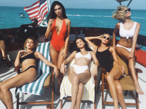 It was a slightly different vibe at Fyre Festival...click through to see what all the models were actually doing this weekend.