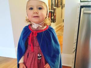 Baby Handmaid's Tale cosplay.
