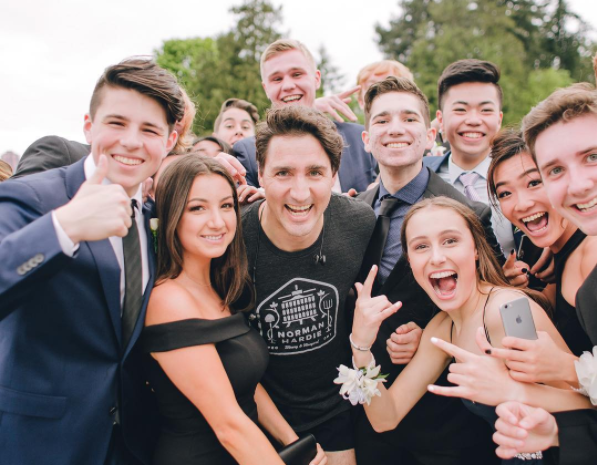 Justin Trudeau Photobombs Prom Photo Shoot While on Casual Jog