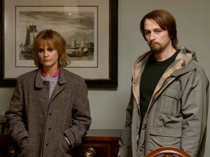 Keri Russell as Elizabeth Jennings and Matthew Rhys as Philip Jennings.