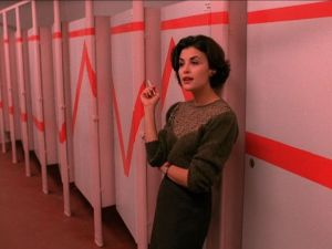 Sherilyn Fenn as Audrey Horne.
