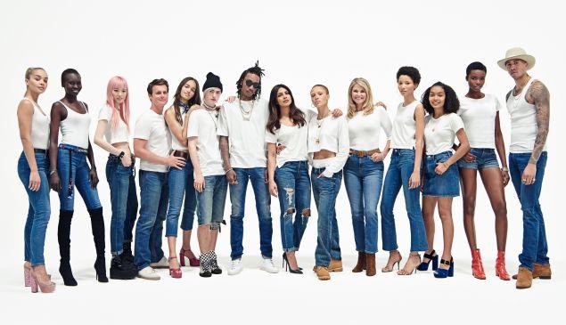 The Gap white t-shirt crew.