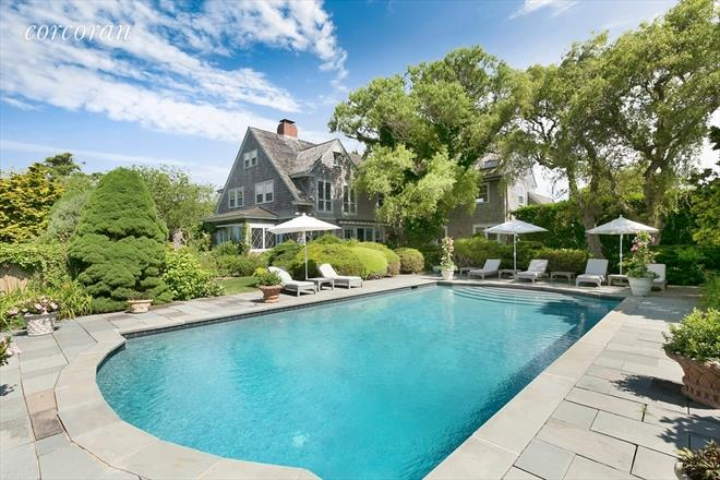 American Express' Summer Home; Al Capone's Brooklyn Townhouse