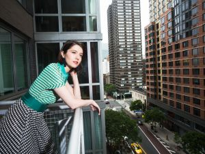 Mary Elizabeth Winstead contemplates the streets of New York.